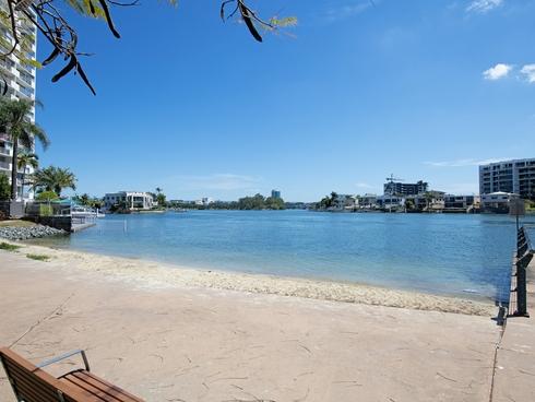 13/40 Watson Esplanade Surfers Paradise, QLD 4217