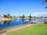 11 Tumbi Street Broadbeach Waters, QLD 4218
