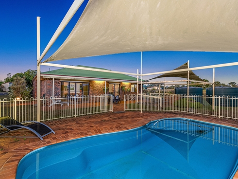 14 Gum Nut Drive Ashfield, QLD 4670