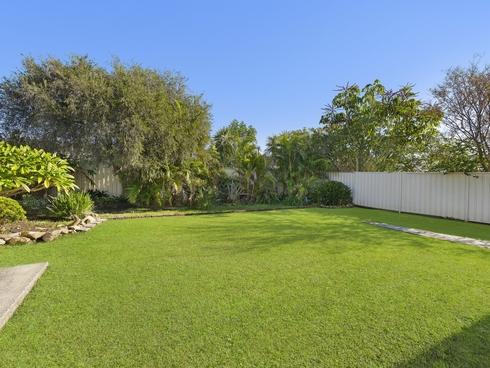 24 Maxwell Avenue Gorokan, NSW 2263