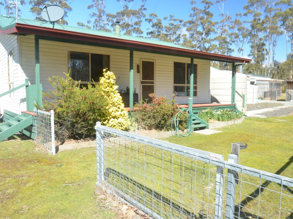 7 Lake View Road Lake Leake, TAS 7210