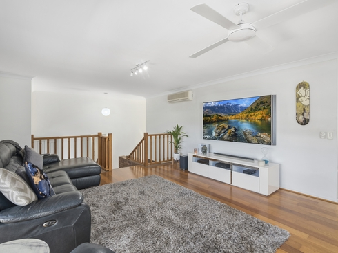 2/10 Kintyre Crescent Banora Point, NSW 2486