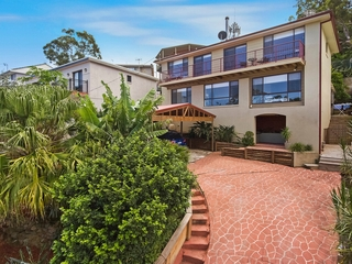 8 Valley View Road Bateau Bay , NSW, 2261