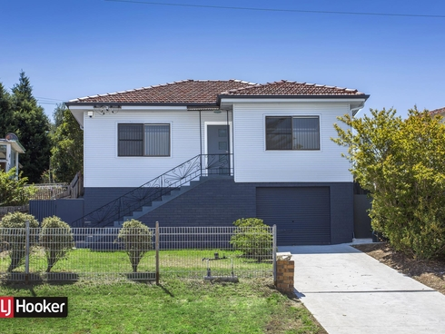 62 First Avenue North Warrawong, NSW 2502