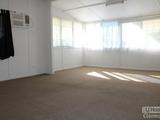 19 Kitchener Street Clermont, QLD 4721