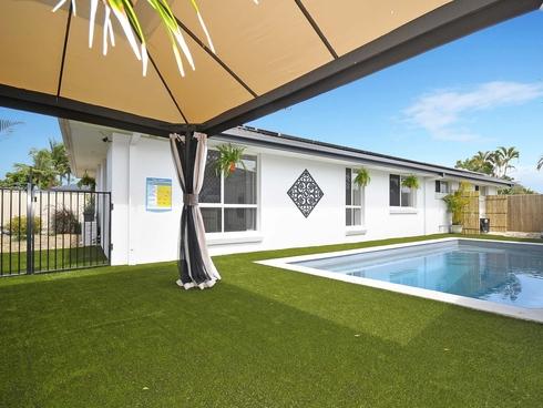 15 Sonama Court Burleigh Waters, QLD 4220