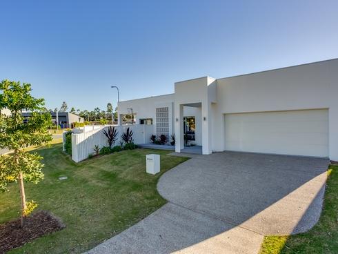 2 Arundel Springs Avenue Arundel, QLD 4214