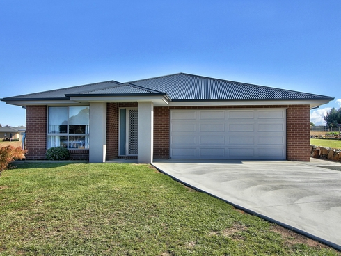 11 Wilpena Court Eastwood, VIC 3875