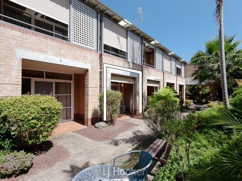 110/3 Violet Town Road Mount Hutton, NSW 2290