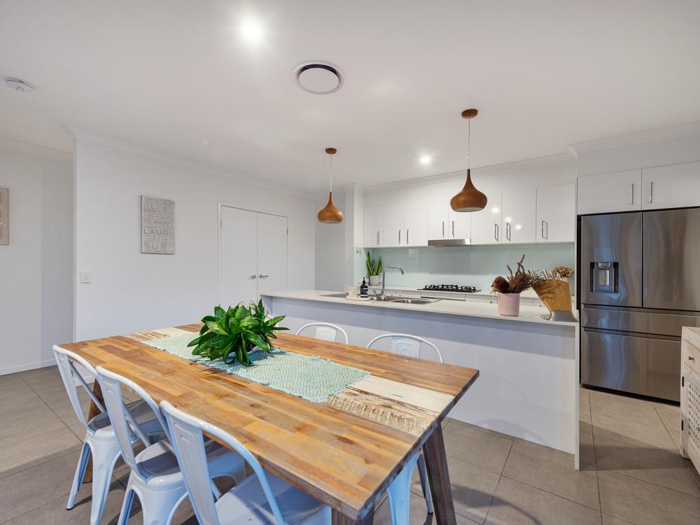6 Gordon Street Ormeau Hills, QLD 4208