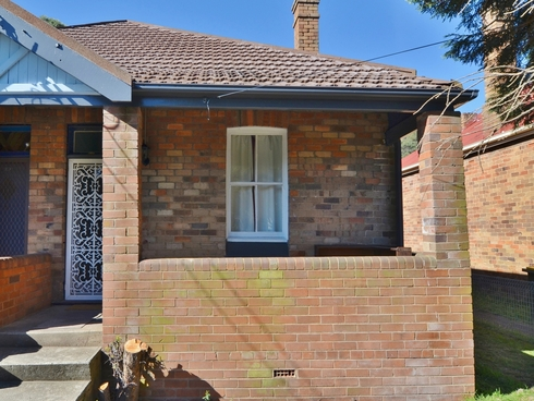 27 Redgate Street Lithgow, NSW 2790