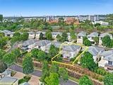 152 Easthill Drive Robina, QLD 4226
