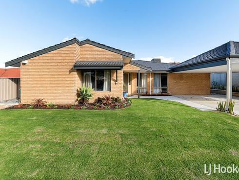9 Merrifield Circle Leeming, WA 6149