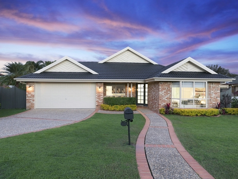 27 Winchcombe Avenue Murrumba Downs, QLD 4503