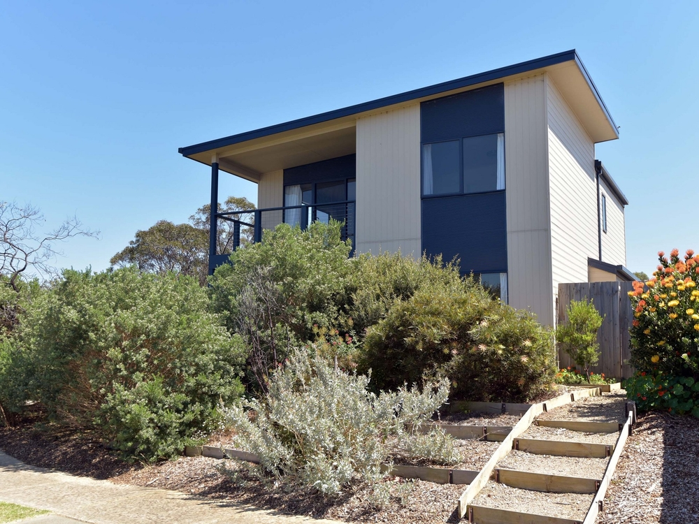 23-25 Edwards Point Road St Leonards, VIC 3223