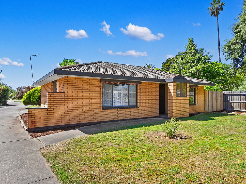 1/140 Guthridge Parade Sale, VIC 3850