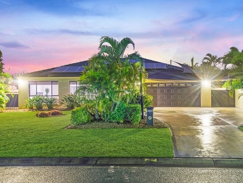 23 John Dalley Drive Helensvale, QLD 4212