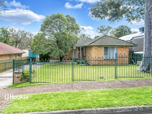48 Carnarvon Avenue Redwood Park, SA 5097